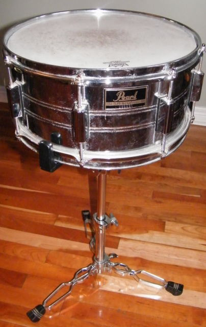 how to change and tune a snare drum head get. Black Bedroom Furniture Sets. Home Design Ideas