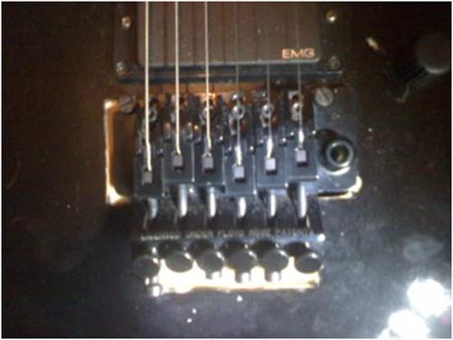 how to change strings on a floyd rose floating bridge guitar. Black Bedroom Furniture Sets. Home Design Ideas